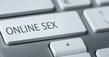 ap-navagating-online-sex-community